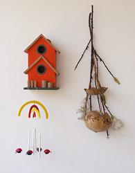 "Kućica za ptice i ""muzička kutija"" sa bubamarama"