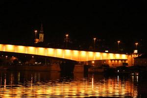Svadbeno krstarenje Savom noću